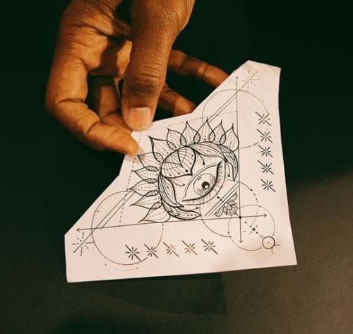 Usher - Gets Illuminati Chin Tattoo - Seriously
